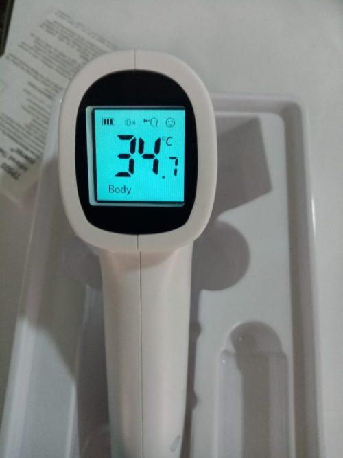 Termómetro digital Infrarrojo - CONTEC - producto encendido 4